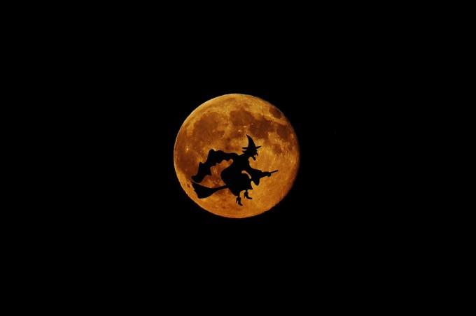moon-1566776_960_720