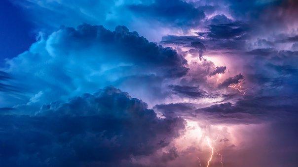 thunderstorm-3625405__340.jpg