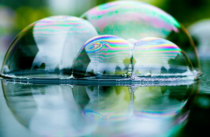 soap-bubbles-3825205_960_720.jpg